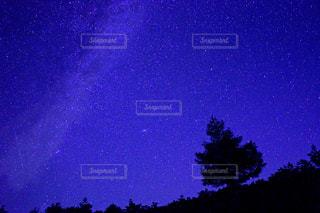 田舎の星空の写真・画像素材[1745789]