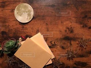 月と本と星の写真・画像素材[1501799]