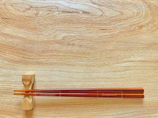 テーブルの上の箸の写真・画像素材[2917884]