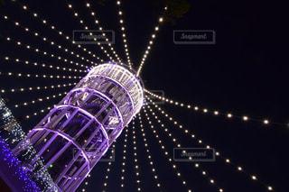 近くに紫色の光をの写真・画像素材[1531980]