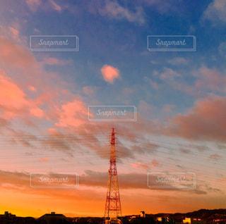 我が家のベランダから見える夕焼けの写真・画像素材[1500917]