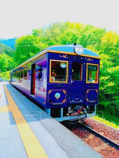 良いお天気とハイカラ電車の写真・画像素材[1510399]