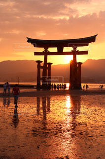 宮島の夕日の写真・画像素材[1647711]