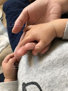 赤ちゃんの手の写真・画像素材[1503999]
