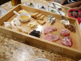 チーズの盛り合わせの写真・画像素材[1511328]