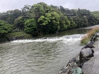 水流(伊勢神宮付近)の写真・画像素材[2437373]