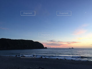 夕暮れのビーチの写真・画像素材[1574300]