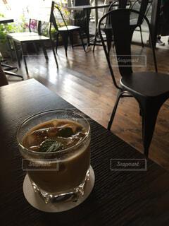 明るいカフェにての写真・画像素材[1585821]