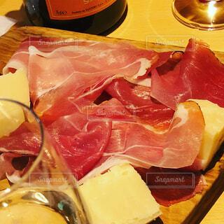ハムとチーズ盛り合わせの写真・画像素材[1511097]