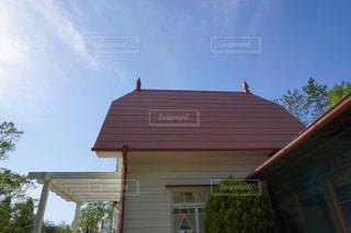 サツキとメイの家 トトロの耳の形の屋根の写真・画像素材[2448282]