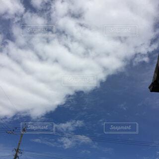 青い空と雲。の写真・画像素材[1513386]