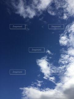 濃く青い空が美しい。の写真・画像素材[1513391]