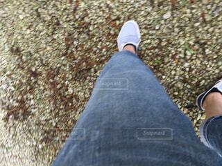 上から見下ろした足。の写真・画像素材[1526660]