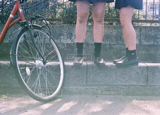 自転車と女子高生の写真・画像素材[1595731]