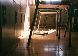 木の床の部屋の写真・画像素材[1595784]