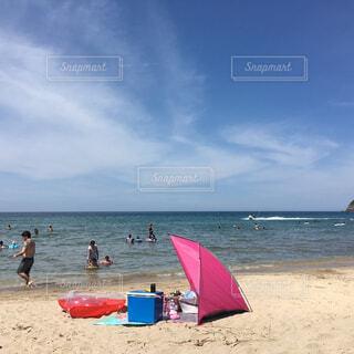お盆の海の写真・画像素材[1515587]