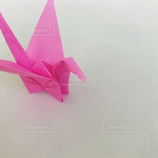 ピンク折り鶴の写真・画像素材[1515875]