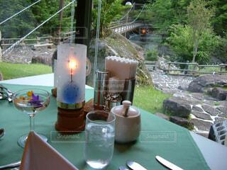 テーブルからの景色の写真・画像素材[1533374]