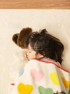 寝ている少女の写真・画像素材[1619685]