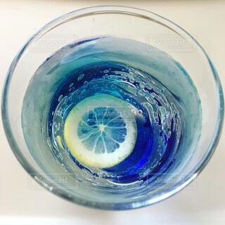 お気に入りのグラスの写真・画像素材[1517763]