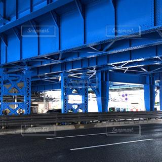 青い高架下の写真・画像素材[1849303]