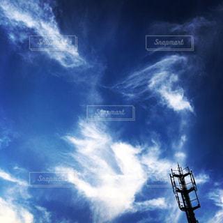 青空に雲の写真・画像素材[2113045]