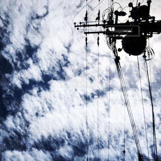 雲と電柱の写真・画像素材[2220437]