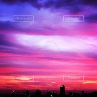都市の夕日の写真・画像素材[2508748]