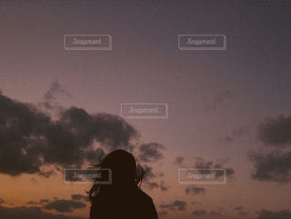 夕日の中に影の写真・画像素材[1822873]