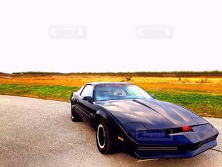 道の端に駐車していた車の写真・画像素材[1520032]