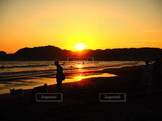 夕暮れのビーチの写真・画像素材[1520949]
