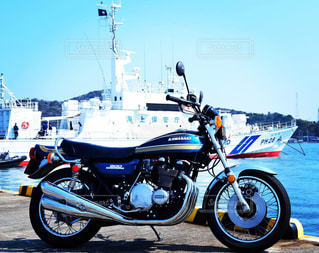 900super four 青い空と青いバイクの写真・画像素材[1846865]