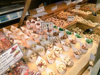 スペインのナッツ売り場の写真・画像素材[1524759]