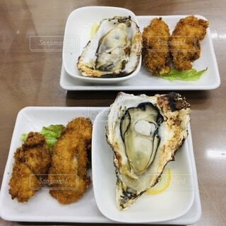 大きい牡蠣!の写真・画像素材[2674941]