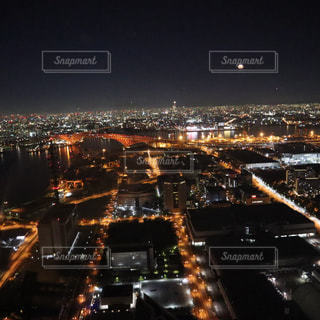 夜の街の景色の写真・画像素材[1738011]