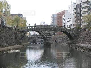 都市の川に架かる橋の写真・画像素材[1740737]