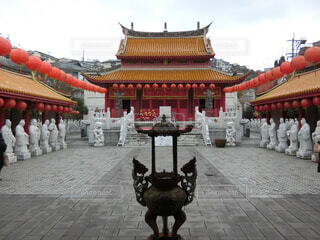 紫禁城の前の歩道を歩いて人々 のグループの写真・画像素材[1743011]