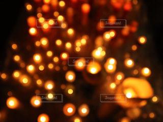 赤い光のクローズアップの写真・画像素材[2174000]