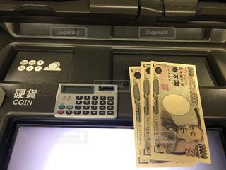 お金の写真・画像素材[2464668]