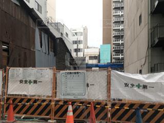 建物の側面に看板の写真・画像素材[3002722]