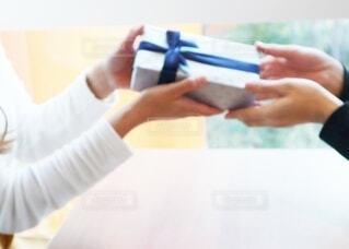 ギフト プレゼント カップルの写真・画像素材[3654879]