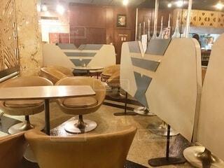 ダイニングルームのテーブルの写真・画像素材[3711629]