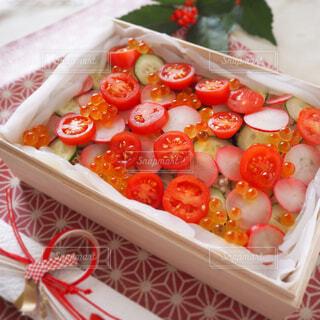 水玉ちらし寿司の写真・画像素材[1566969]