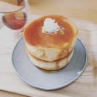 おうちでパンケーキの写真・画像素材[1528296]
