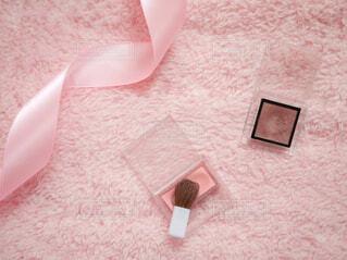 ピンクと白の紙の写真・画像素材[1680209]