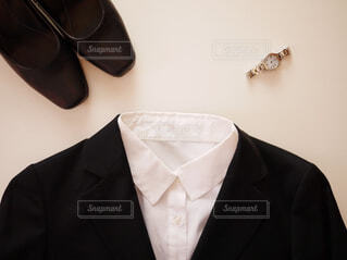スーツとネクタイを身に着けている男の写真・画像素材[1754789]