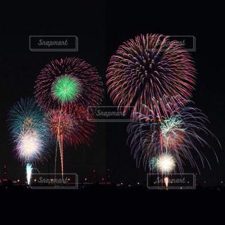 夜空の花火の写真・画像素材[1535953]