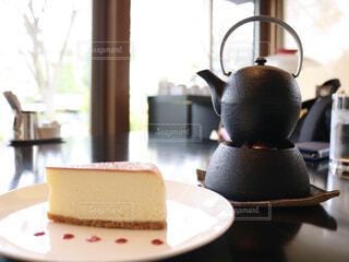 温泉チーズケーキと鉄瓶コーヒーの写真・画像素材[1536770]