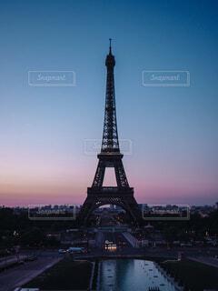 早朝のエッフェル塔の写真・画像素材[1538982]