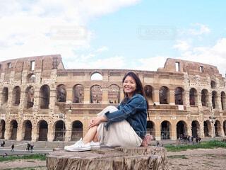 コロッセオと笑顔の写真・画像素材[1591498]